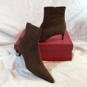 Escada women's brown suede heeled boots NWT.